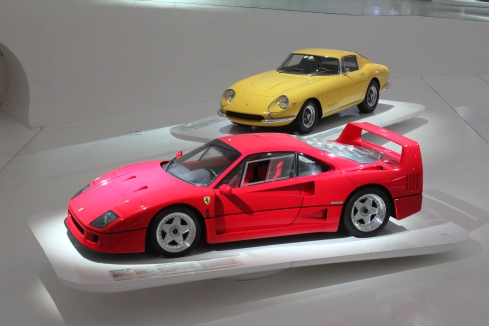 The 1987 F40 with the yellow 1966 275 GTB4.