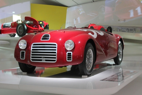 An identical recreation of the first Ferrari 125 S from 1947.